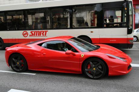 Dai gia Singapore chi bao nhieu tien de so huu Ferrari - Anh 2