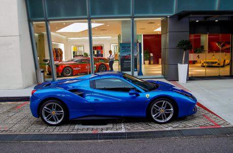 Dai gia Singapore chi bao nhieu tien de so huu Ferrari - Anh 3
