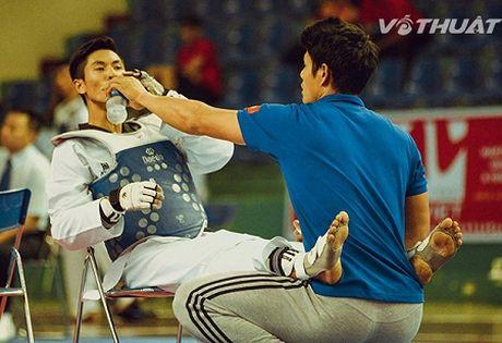 Chuyen bi hai cua bong ro Viet Nam khi ngoi sao so 1 la... HLV taekwondo - Anh 1