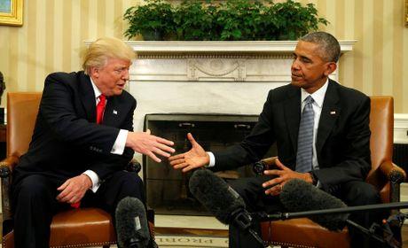 Hinh anh hoi dam lich su giua Obama va Trump - Anh 1