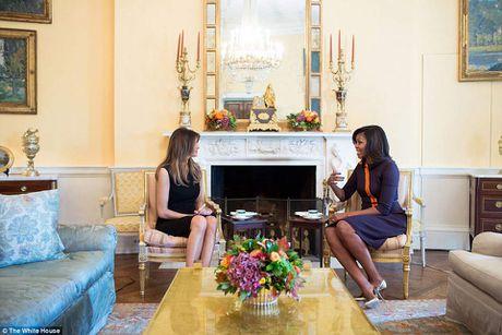 Michelle Obama moi Melania Trump dung tra - Anh 1