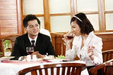Nguoi tinh tren phim va ngoai doi trai nguoc cua Angela Phuong Trinh - Anh 5