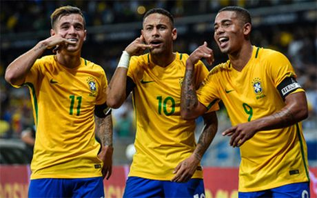 Firmino bo lo co hoi ghi ban kho tin o tran Brazil 3-0 Argentina - Anh 1
