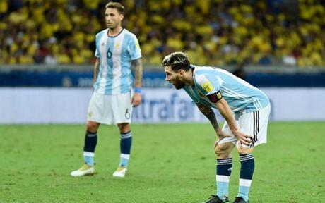 Chum anh: Neymar 'an ui' Messi sau tran Brazil 3-0 Argentina - Anh 7