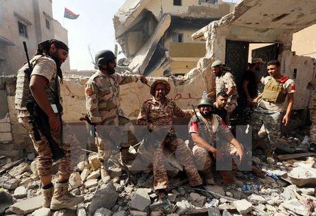 Chien dich tai chiem Sirte vap phai su phan khang quyet liet tu IS - Anh 1