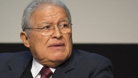 El Salvador quyet dinh phat hanh trai phieu de tranh vo no - Anh 1