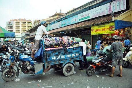 Tieu thuong hoi ha doi cho co lon nhat Sai Gon - Anh 9