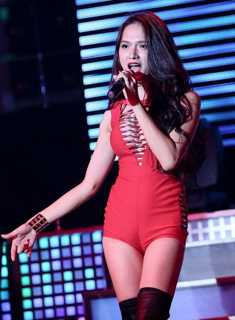 Choang voi so thich di dien nhu di... boi cua Huong Giang idol - Anh 2