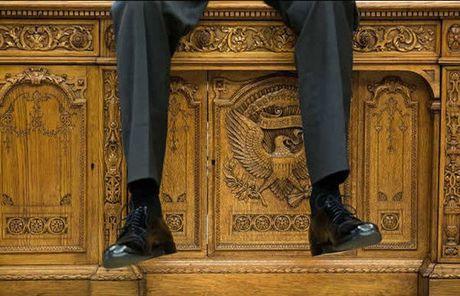 Khoanh khac dep nhat cua Obama suot 8 nam qua - Anh 12