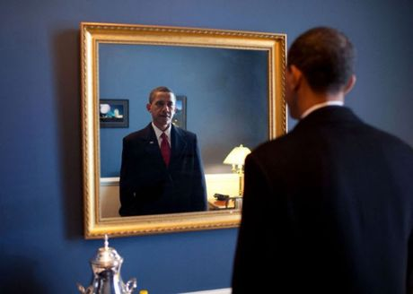Khoanh khac dep nhat cua Obama suot 8 nam qua - Anh 16