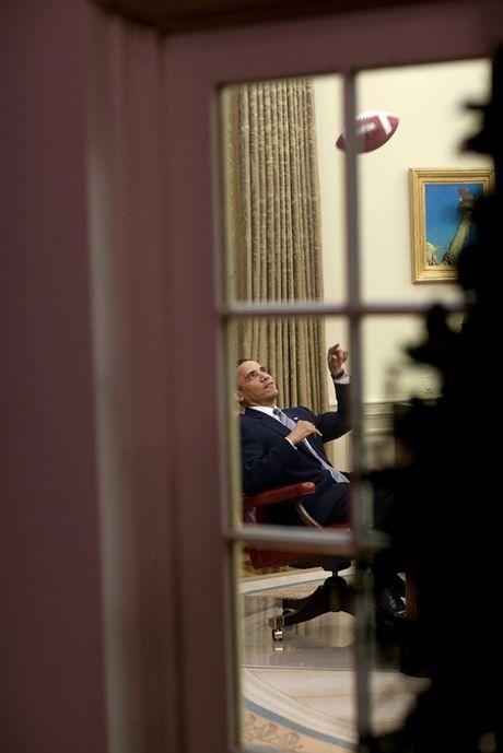 Khoanh khac dep nhat cua Obama suot 8 nam qua - Anh 18