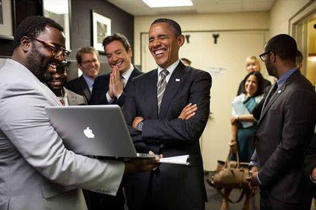 Khoanh khac dep nhat cua Obama suot 8 nam qua - Anh 22