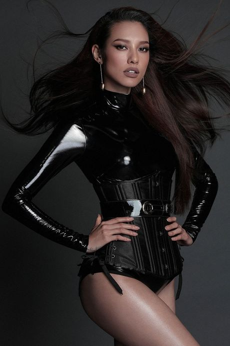 My nhan Viet ru nhau khoe eo thon-dang nuot voi corset - Anh 20