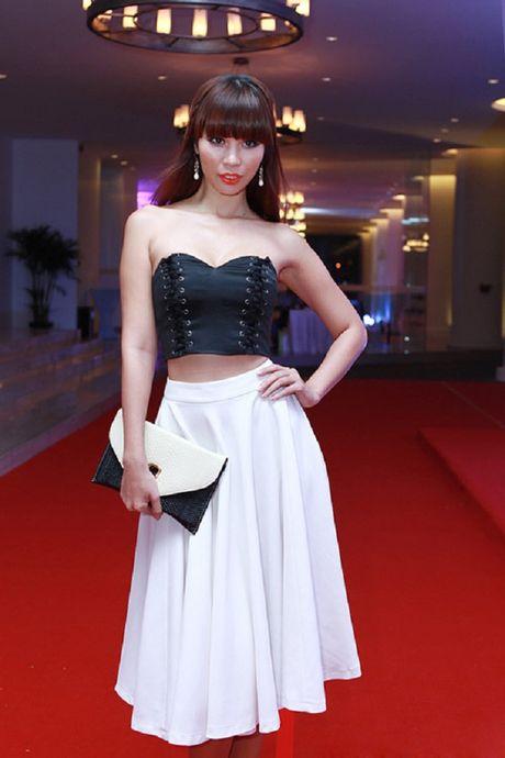 My nhan Viet ru nhau khoe eo thon-dang nuot voi corset - Anh 3