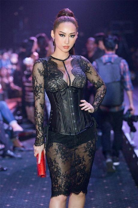 My nhan Viet ru nhau khoe eo thon-dang nuot voi corset - Anh 9