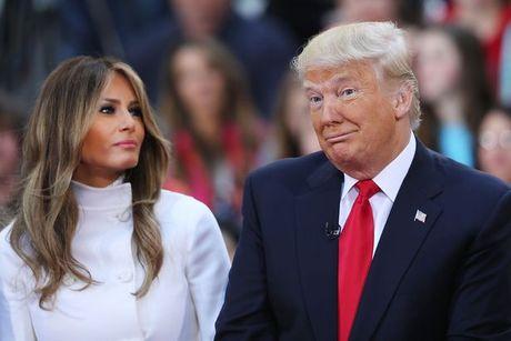 Nha tien tri Nostradamus doan chinh sach cua Trump sau dac cu? - Anh 2