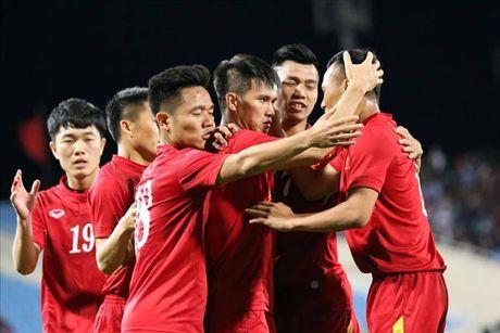 Truc tiep giao huu DT Viet Nam vs Avispa Fukuoka FC - Anh 1