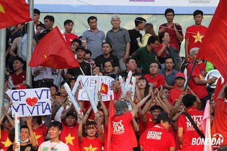 Fan Can Tho chay het minh vi Cong Phuong, Xuan Truong - Anh 1