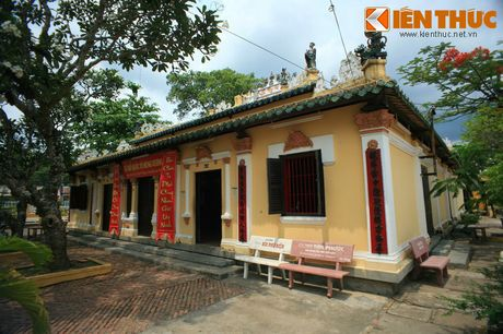 Kham pha ngoi dinh co noi tieng nhat Can Tho - Anh 6