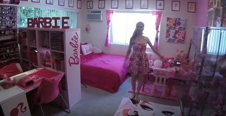 Ngoi nha trang tri ngap bup be Barbie cua mot fan cuong 34 tuoi - Anh 3