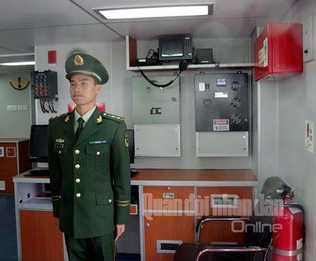 Len tau Canh sat bien Trung Quoc dang tham Hai Phong - Anh 6