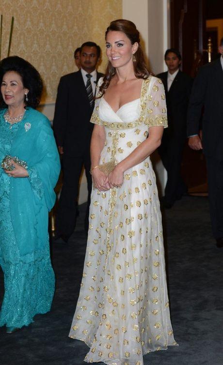 11 mau vay du tiec quyen ru cua cong nuong Kate Middleton - Anh 2