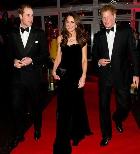 11 mau vay du tiec quyen ru cua cong nuong Kate Middleton - Anh 3