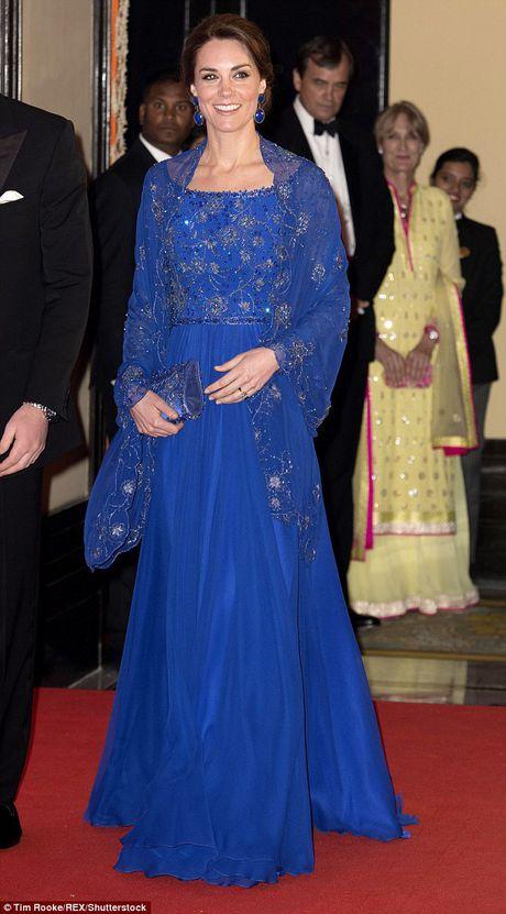 11 mau vay du tiec quyen ru cua cong nuong Kate Middleton - Anh 4