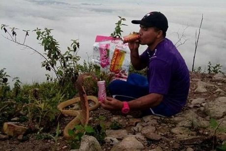 Chang trai cuoi ran ho mang lam vo - Anh 2