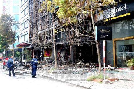 TIN NONG ngay 12/11: Khoi to bi can tho han xi trong vu chay quan karaoke lam chet 13 nguoi - Anh 3
