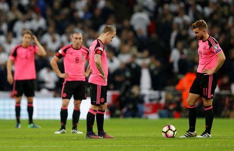 Cac cau thu Liverpool thay nhau toa sang, tuyen Anh thang de Scotland - Anh 3