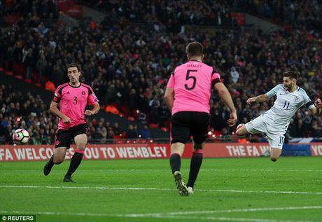 Tuyen Anh thang de Scotland voi 3 cu danh dau - Anh 2