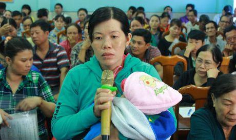 Tieu thuong cho Long Xuyen: 'Chung toi kho qua!' - Anh 1
