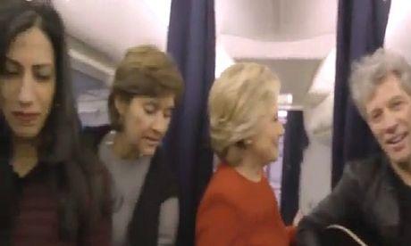 Vo chong Clinton hoa minh vao trao luu 'hoa da' - Anh 1