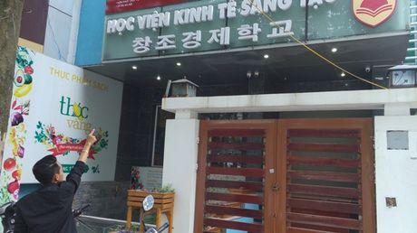'Giao su tien si chui bay: Luat nao cam toi dat ten Hoc vien Kinh te Sang tao'? - Anh 1