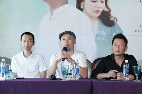 Bang Kieu va Huong Giang Idol 'chat chem' nhau giua hop bao - Anh 4