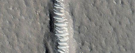 NASA cong bo 15 buc anh tuyet dep ve sao Hoa - Anh 12