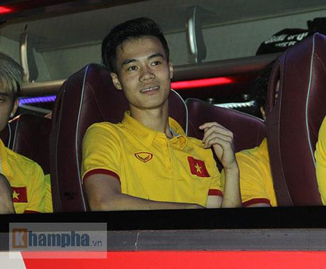 Fan khoc ngat vi khong co chu ky Cong Phuong, Van Toan - Anh 4