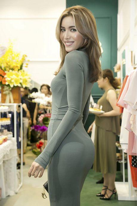 Minh Tu khong ngai cham mat Lan Khue sau vu to dong nghiep 'chen ep' - Anh 2
