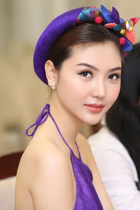 'Nu hoang sac dep' Ngoc Duyen lan dau tham du 'Duyen dang Viet Nam' - Anh 1