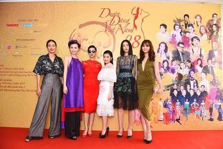 'Nu hoang sac dep' Ngoc Duyen lan dau tham du 'Duyen dang Viet Nam' - Anh 5