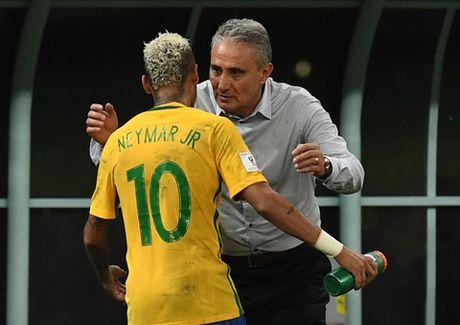 Can moc 50 ban, Neymar buoc vao 'ngoi den huyen thoai' - Anh 1