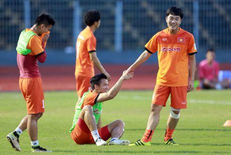 TRUC TIEP Viet Nam - Avispa Fukuoka: Xuan Truong, Cong Phuong da chinh - Anh 2