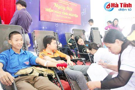 DVTN TP Ha Tinh huong ung Ngay hoi hien mau tinh nguyen - Anh 3