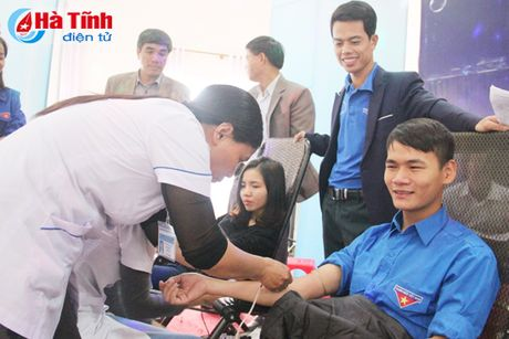 DVTN TP Ha Tinh huong ung Ngay hoi hien mau tinh nguyen - Anh 4