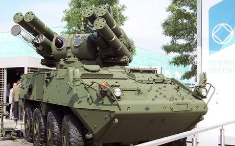Xe chong tang - phong khong da nhiem LAV III MMEV cua Canada - Anh 1