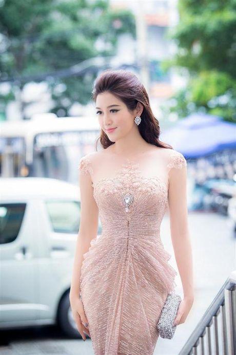 Ve nong bong 'mot chin mot muoi' cua hai my nhan Viet sinh nam 1995 - Anh 6