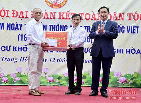 Pho Thu tuong Vuong Dinh Hue du ngay hoi Dai doan ket o TX. Cua Lo - Anh 5