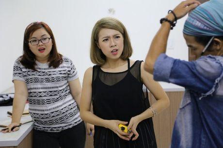 Ban de y khong, moi show truyen hinh deu co mot nhan vat 'lech pha' an tuong nhu the nay! - Anh 5
