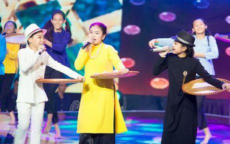 Nhung tiet muc 'cuoi lan, cuoi bo' tren san khau The Voice Kids sau 4 mua - Anh 3